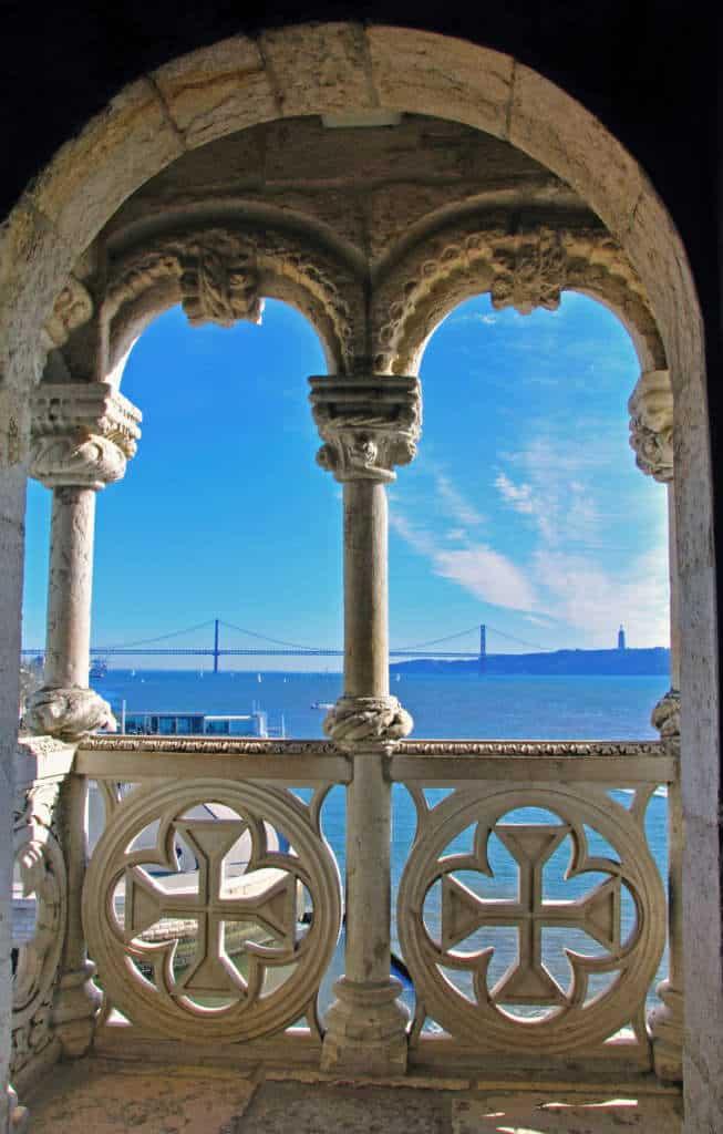 widok z okna Wieży Belem