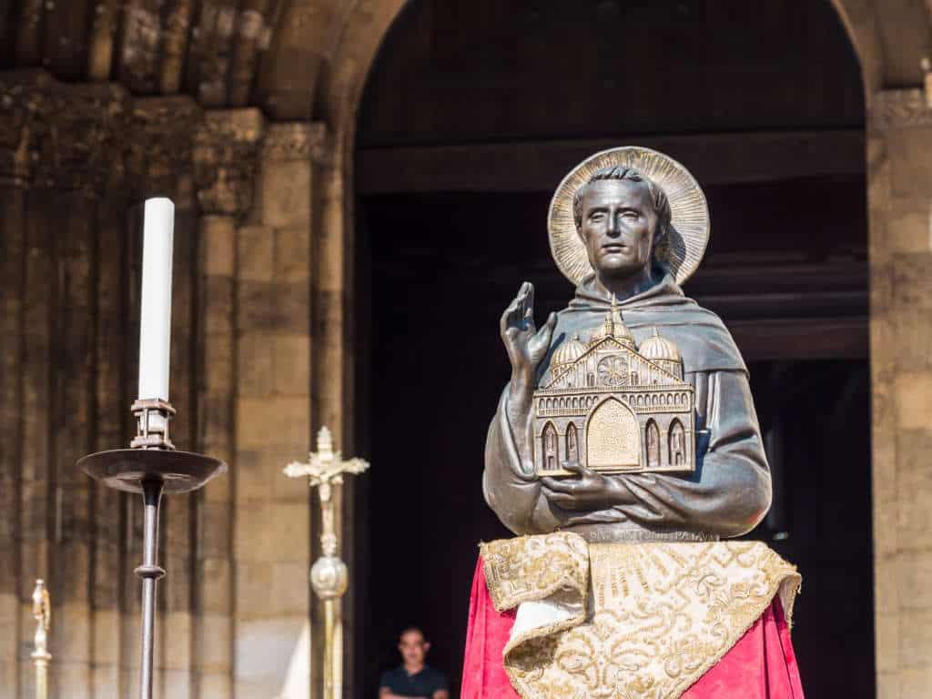 Figura świętego Antoniego - katedra Se