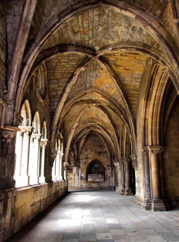 katedra se klasztor