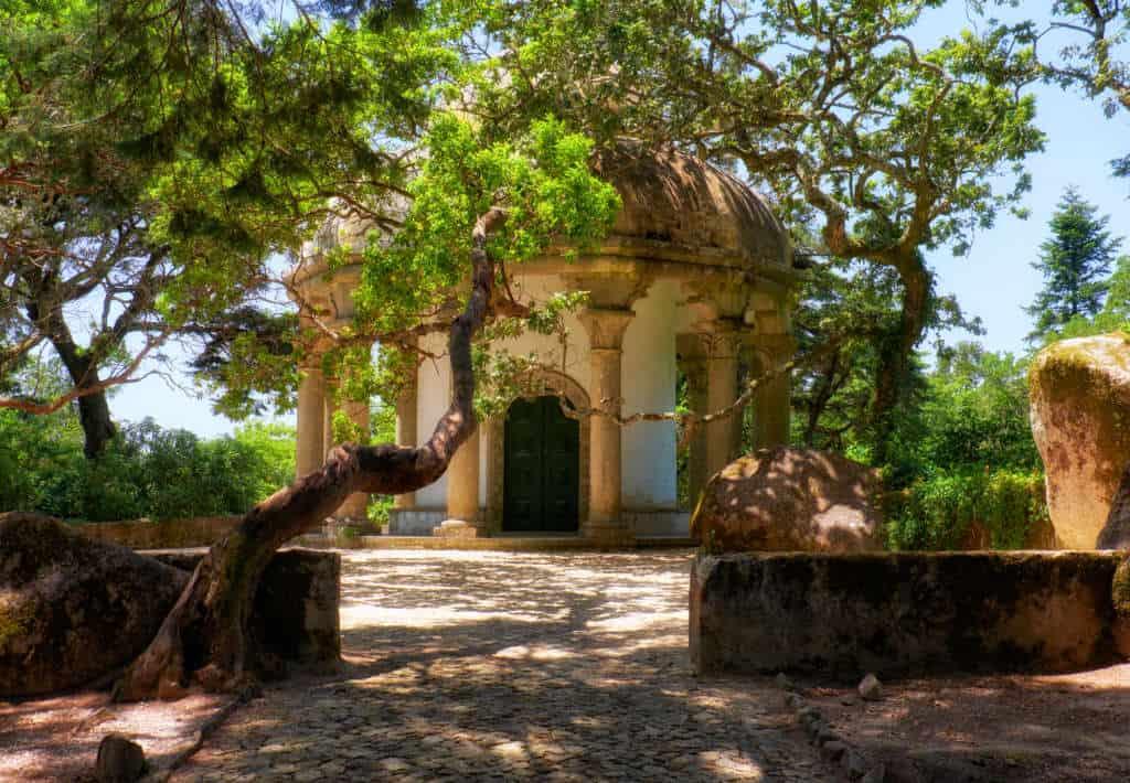kaplica św. Antoniego w parku Pena