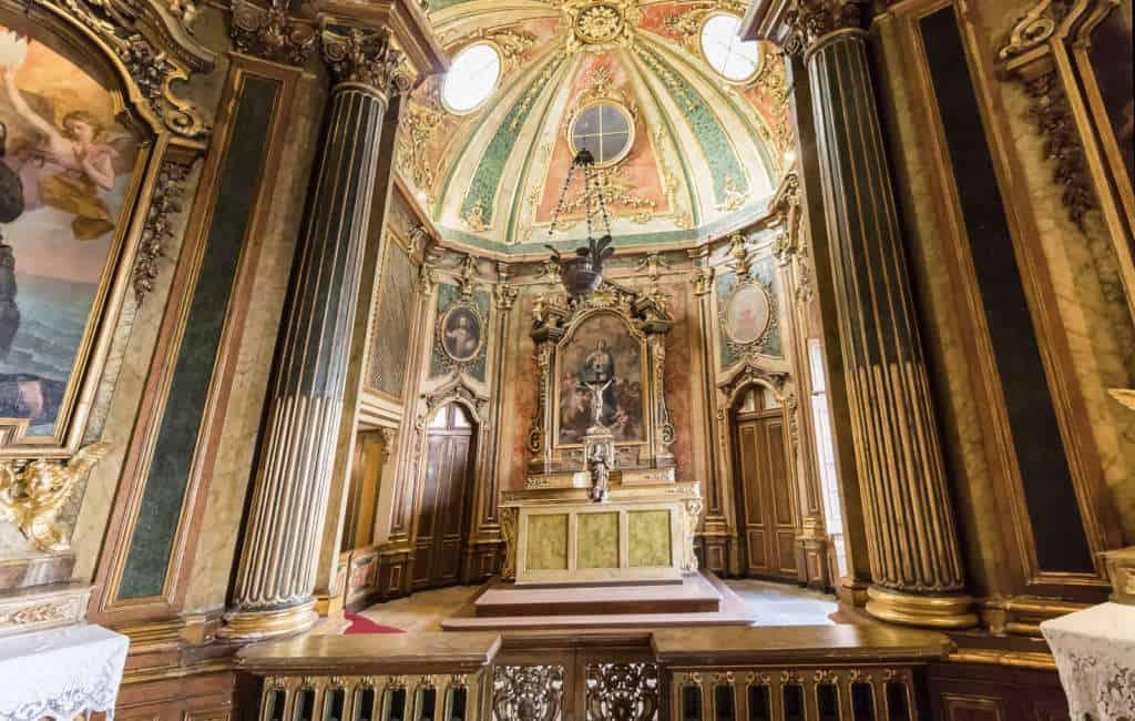 wnętrze pałacu Queluz