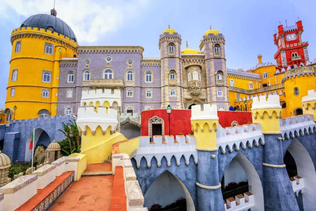 Pałac Pena przez niektórych określanych kiczowatym. Inni są w nim zakochani