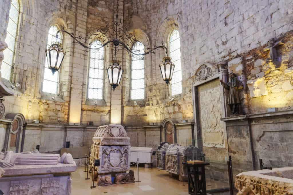 muzeum archeologiczne w klasztorze karmelitow