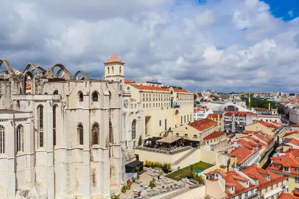 widok z góry na klasztor karmelitów