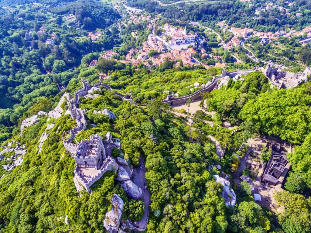 ruiny zamku Maurów z drona