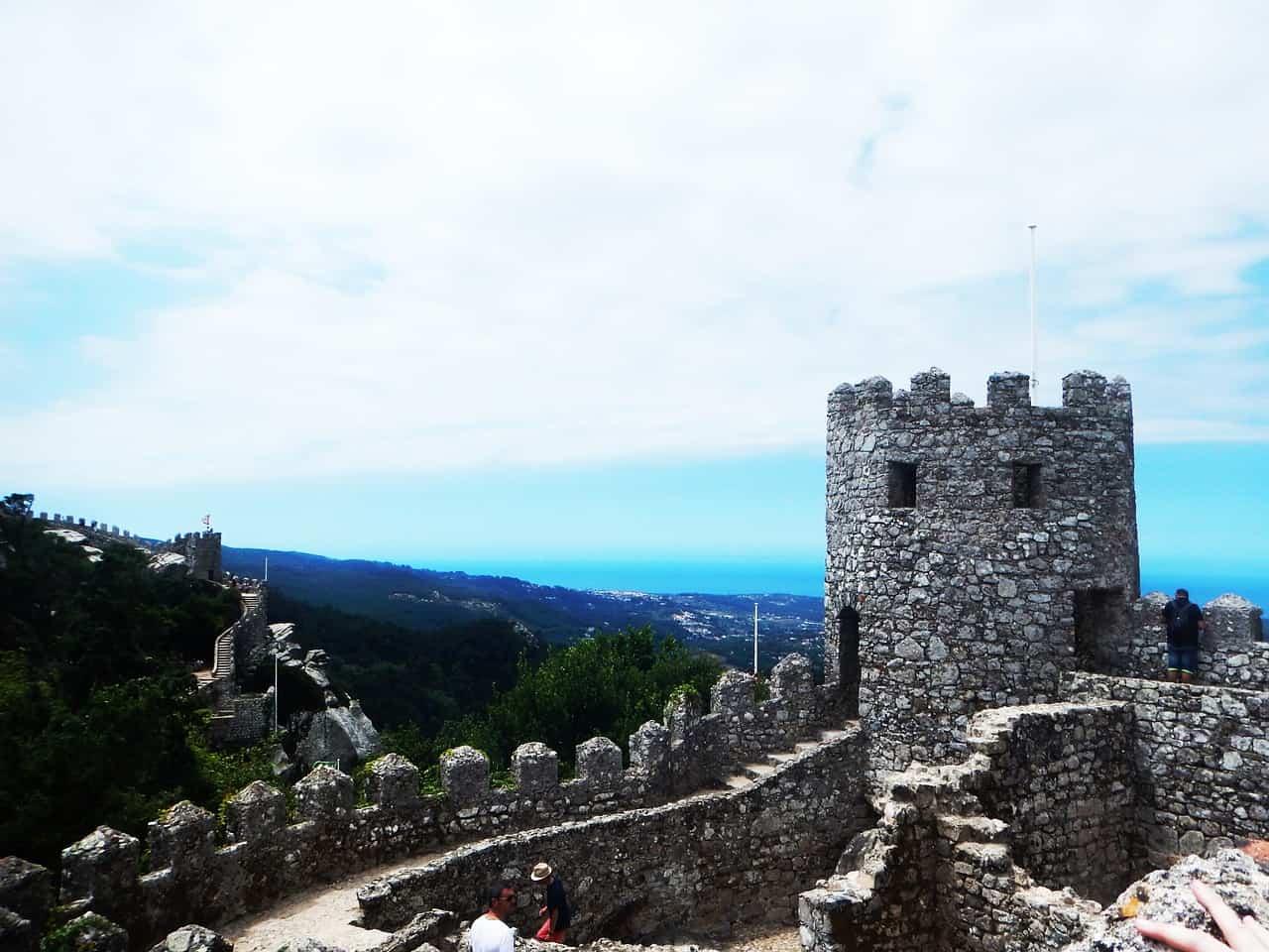 Zamek Maurów - muzułmańskie ruiny w Sintrze
