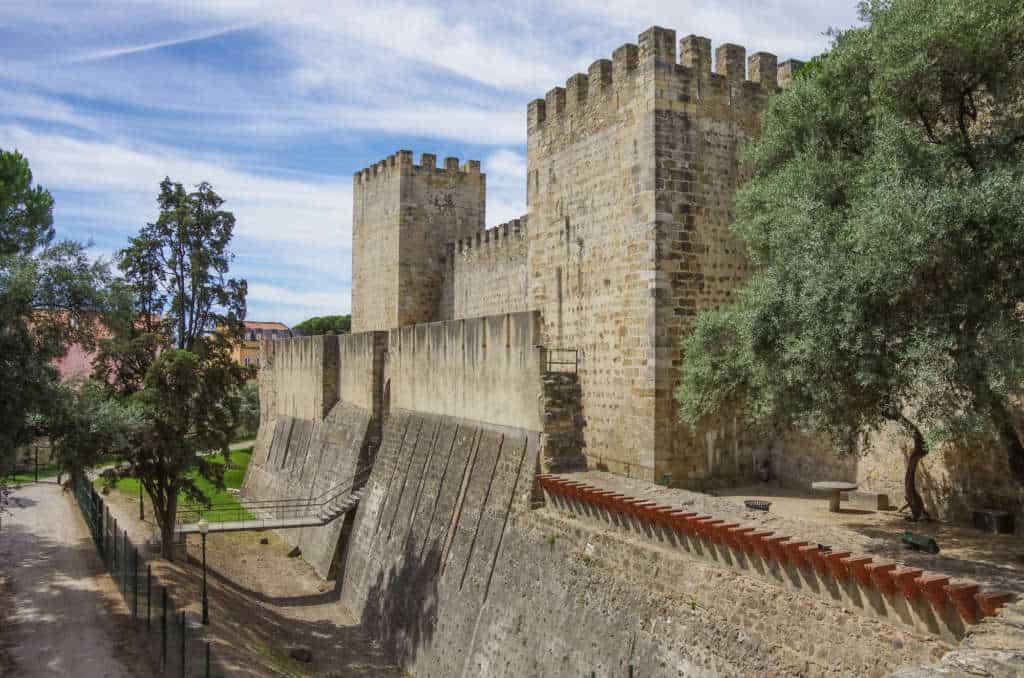 zamek św. Jerzego z zewnątrz