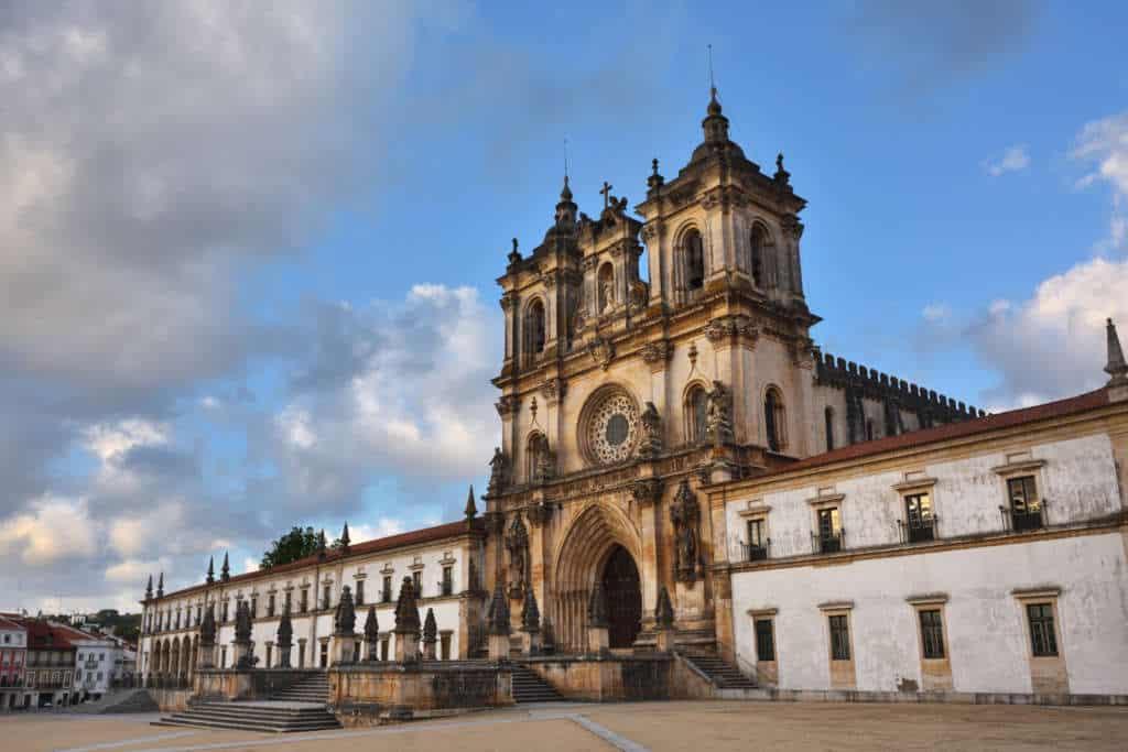 Klasztor w Alcobaca z przodu