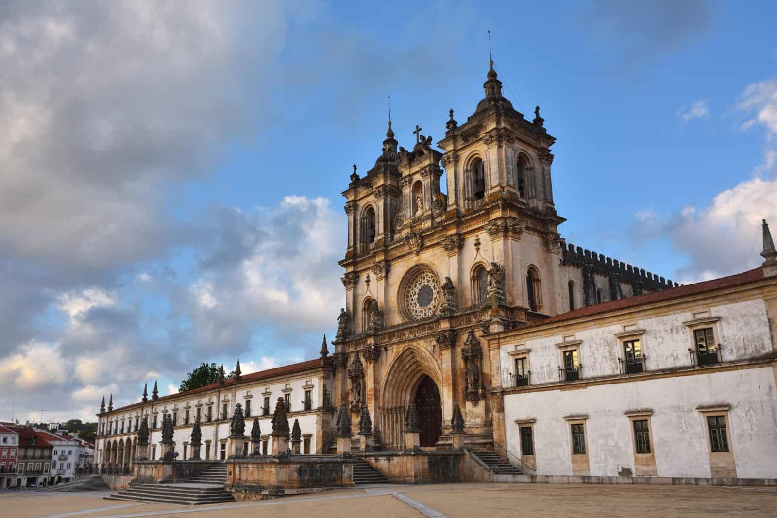 Alcobaça - miasto z jednym z najpiękniejszych klasztorów w Portugalii