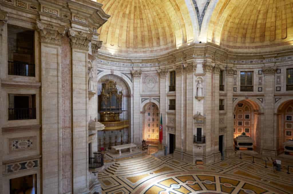 organy w kościele Santa Engracia