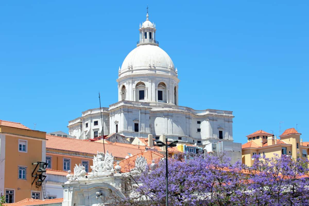 Kościół Santa Engracia czyli panteon narodowy w Lizbonie