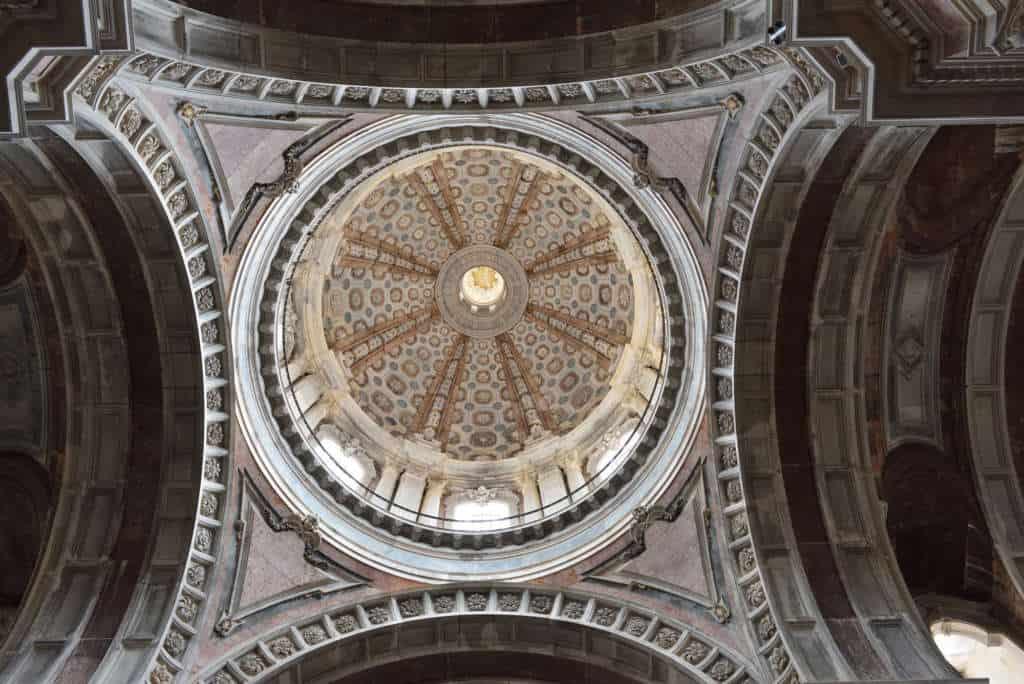 dach bazyliki w Mafrze
