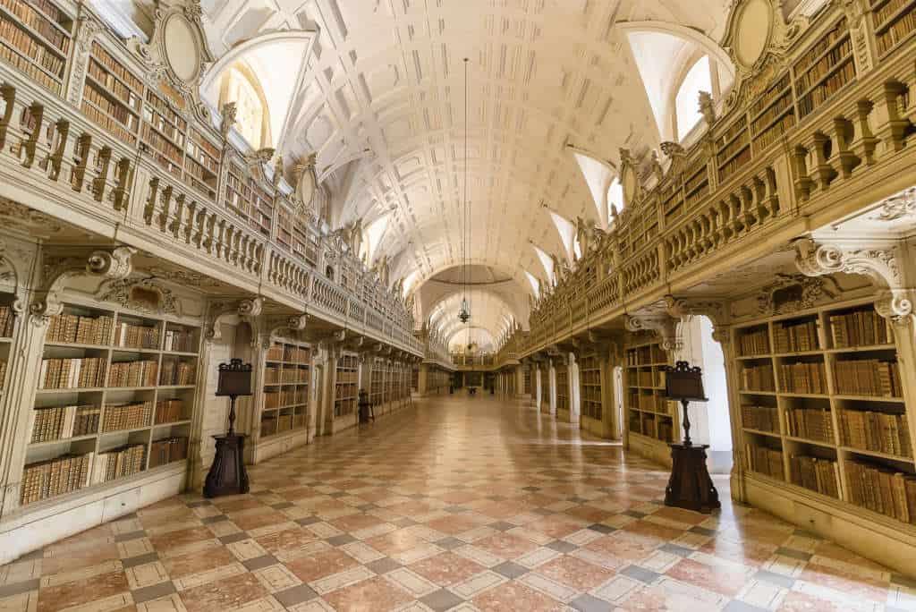 biblioteka w Mafrze