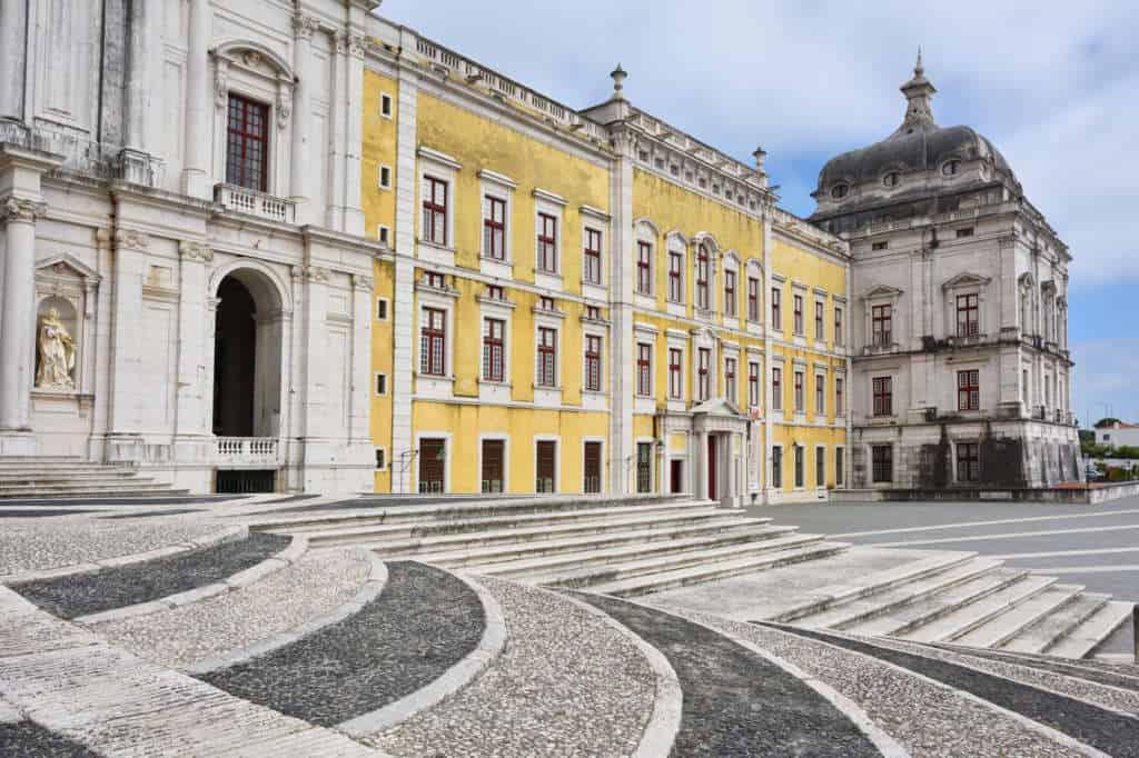pałac Mafra wejście główne