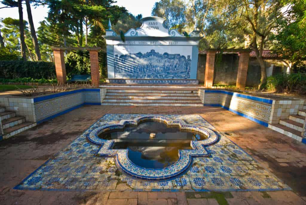 fontanna w pałacu Cascais