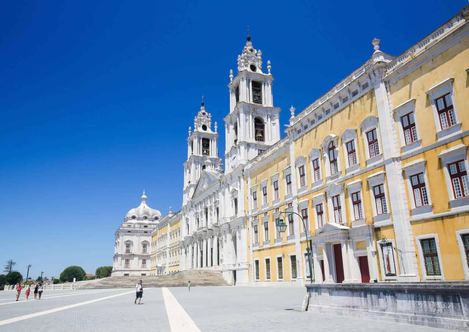 Pałac w Mafrze - olśniewający pałac pod Lizboną