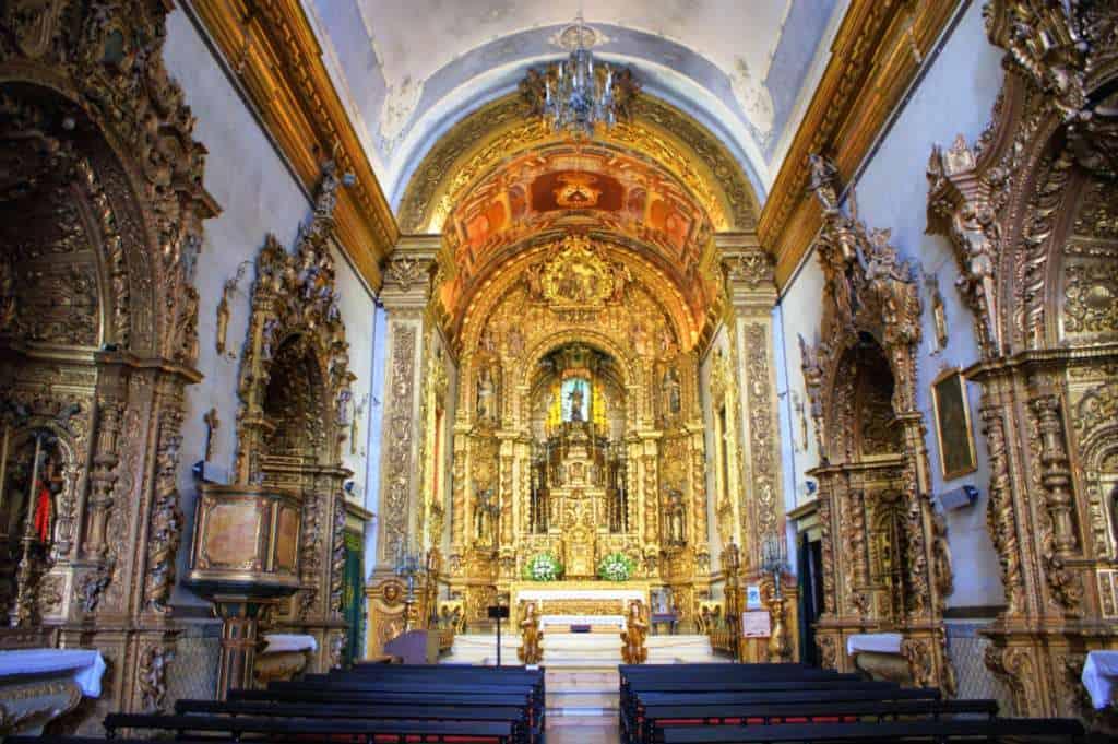 wnętrze Igreja do Carmo w Faro
