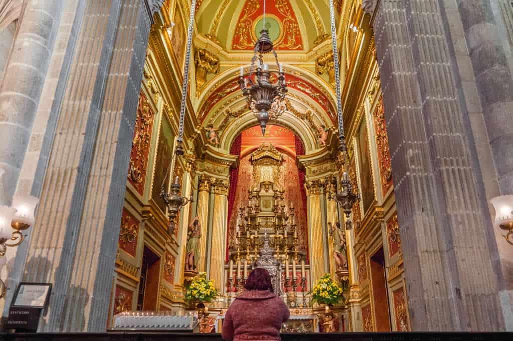 wnetrze katedry se braga