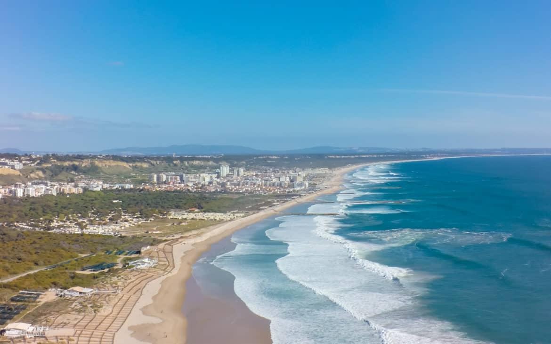 plaża Caparica widok z drona