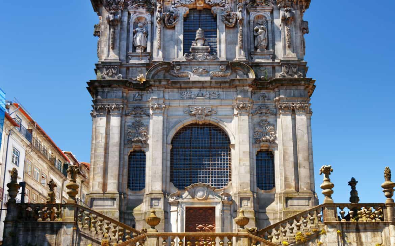 front kościoła kleryków w Porto