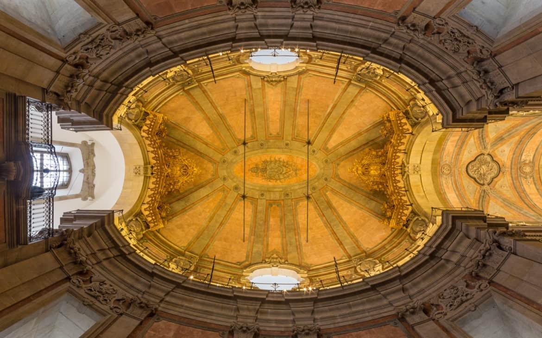 kopuła kościoła Kleryków w Porto