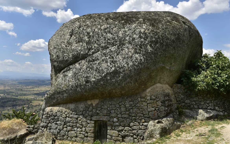 monsanto dom w kamieniu