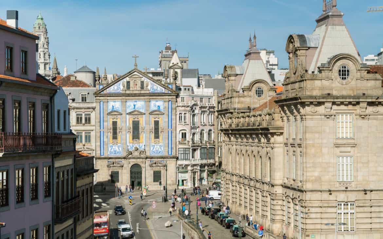 plac Almeida Garret w Porto
