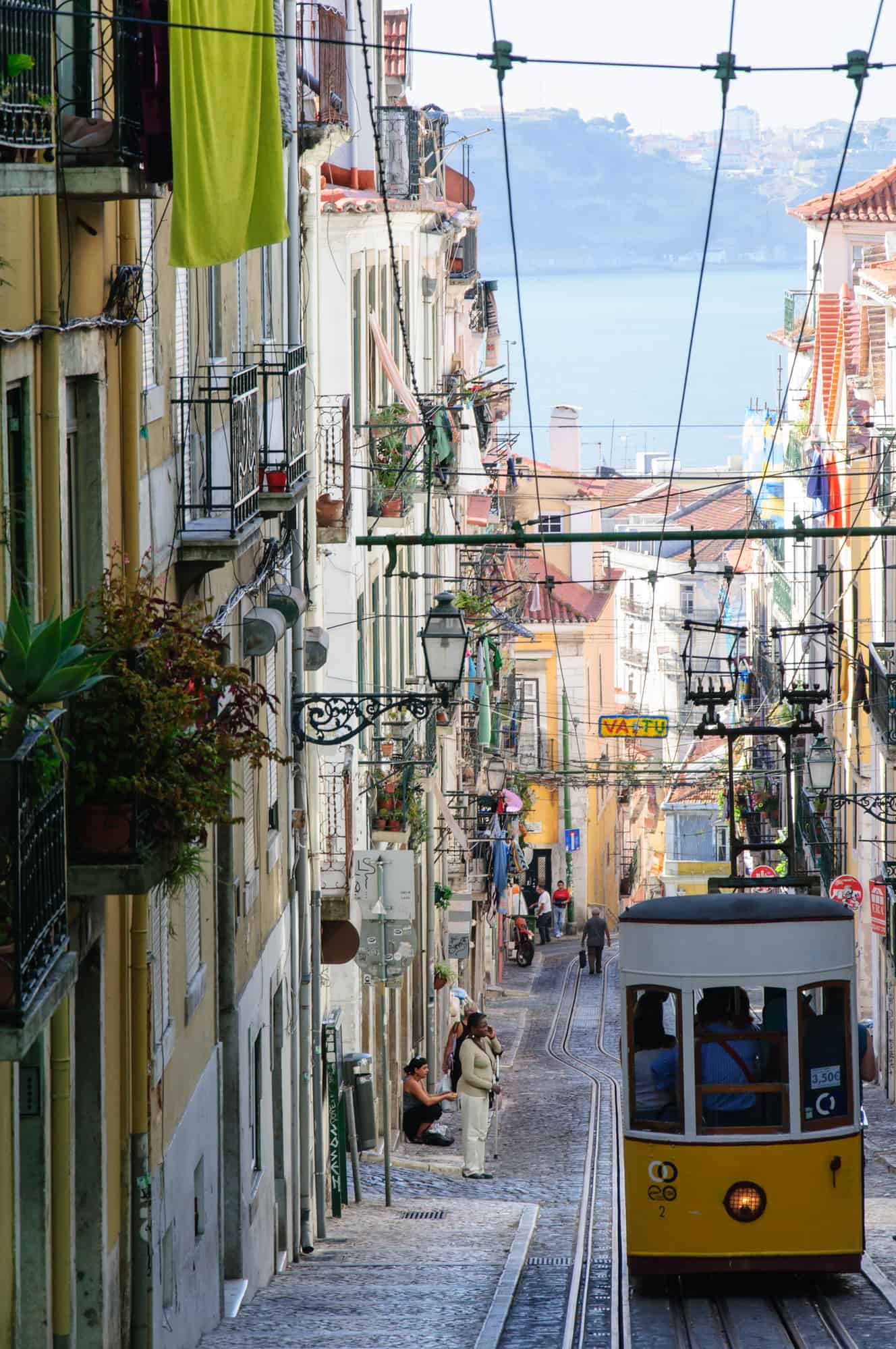 winda Bica widok na Lizbonę