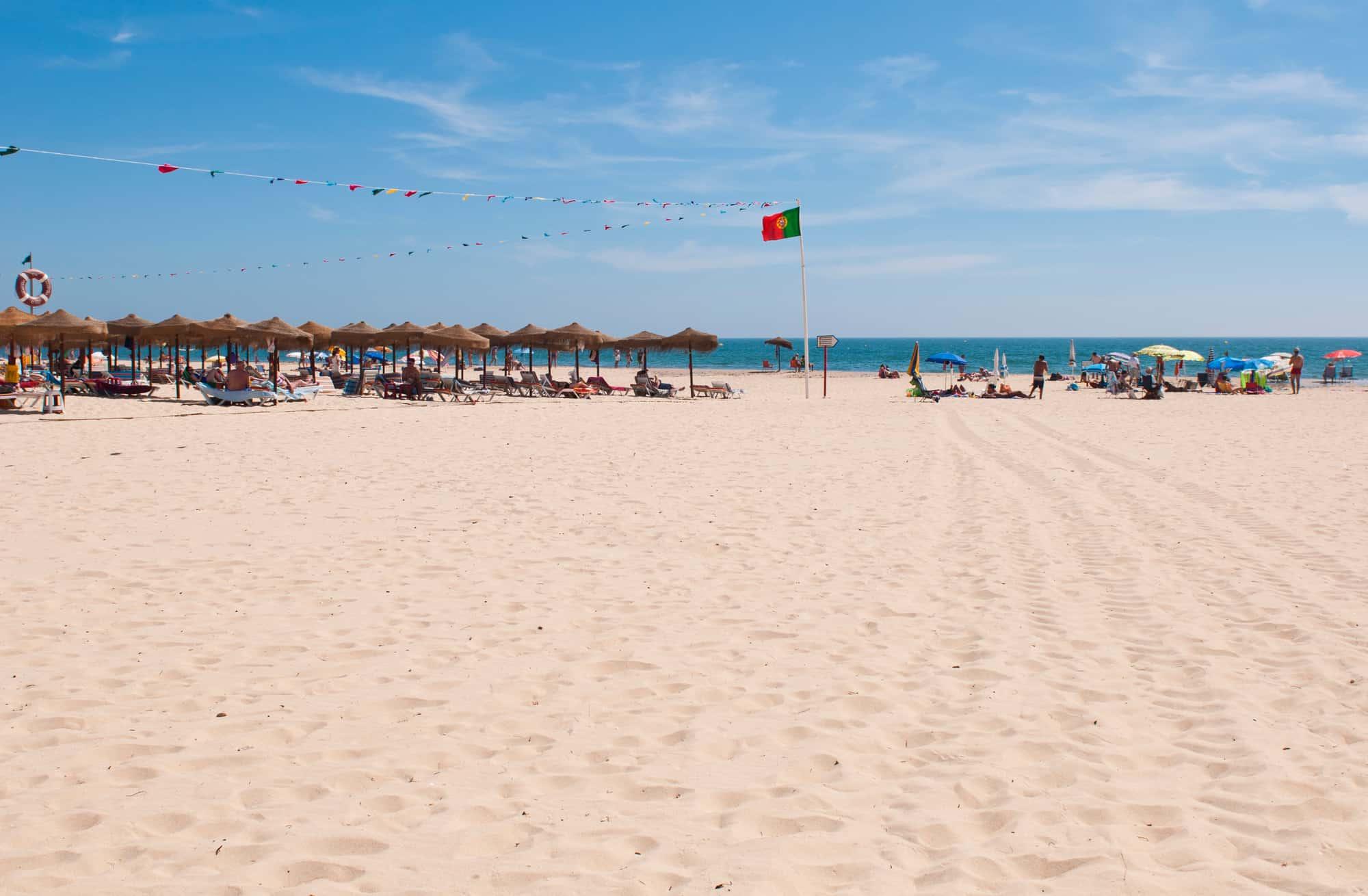 widok na plażę w Monte GOrdo