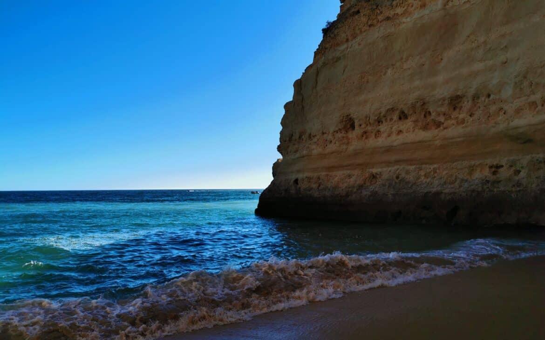 praia buraco przy praia da marinha