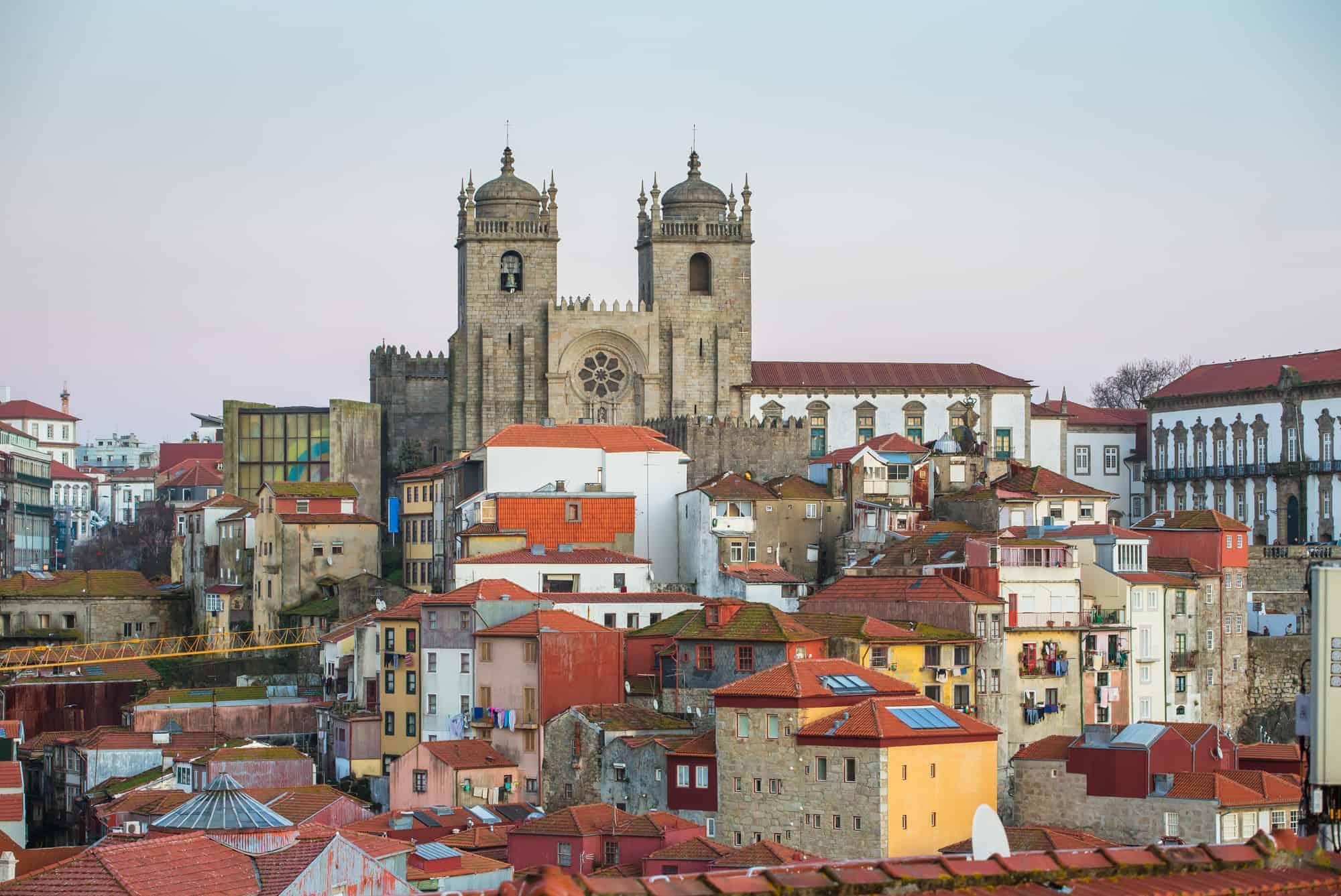 widok na katedrę i Porto