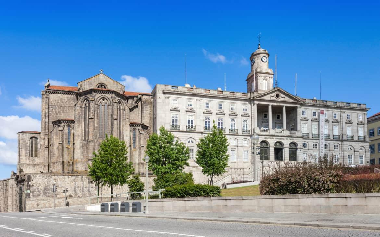 widok na pałac Bolsa i kościół św. Franciszka