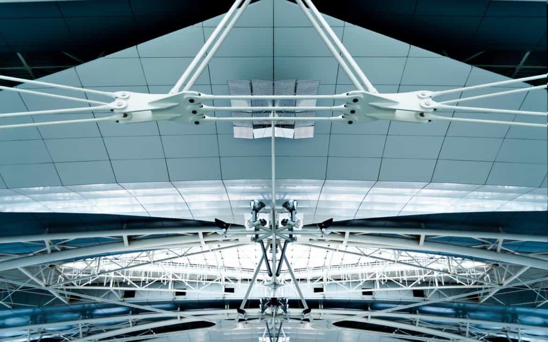 widok na dach lotniska w Porto