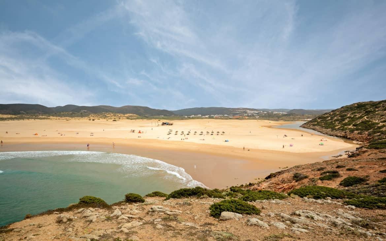 widok na plażę Bordeira